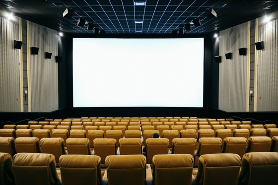 Emagine novi movie theatre