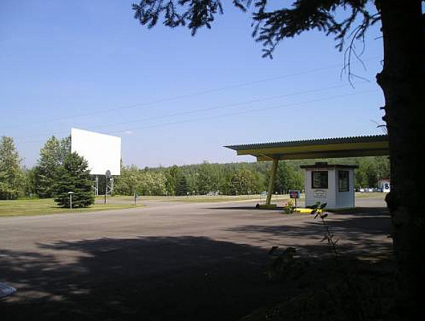 Skylite Drive-In