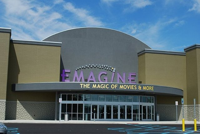 AMC Woodhaven Village 10