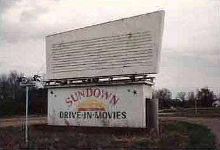 Sundown Drive-In-Movies