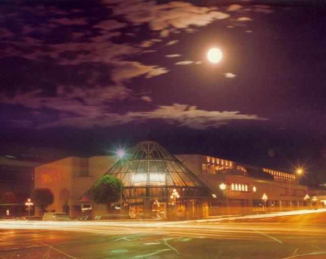 Artisitc evening shot of original Capitol