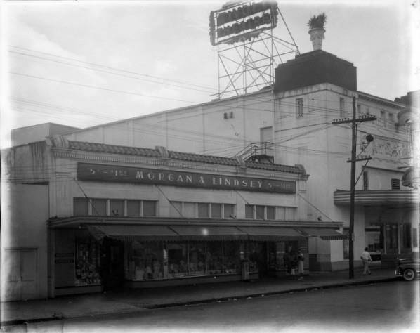 Early `40's photo courtesy of Matthew Dillon. Tivoli on the right.