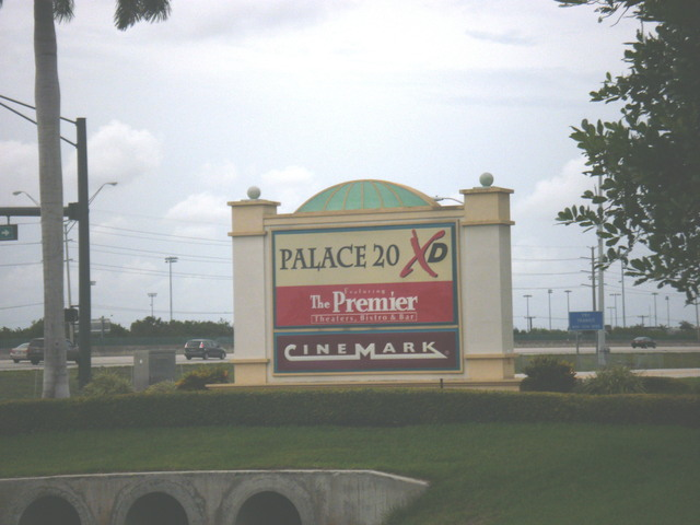 Cinemark Palace 20