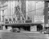 <p>Exterior of the Paradise Theatre, Chicago, taken in 1941.</p>