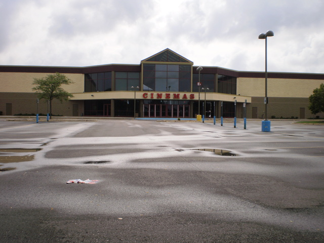 Cinemark's Rave Cinemas Flint West in 2014