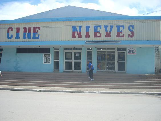 Cine Nieves