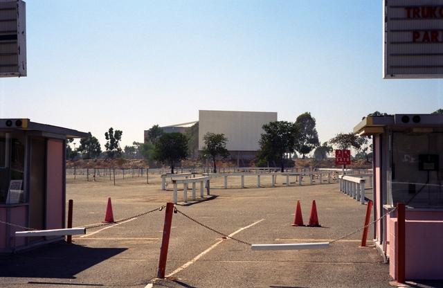 Stadium 8 Drive-In