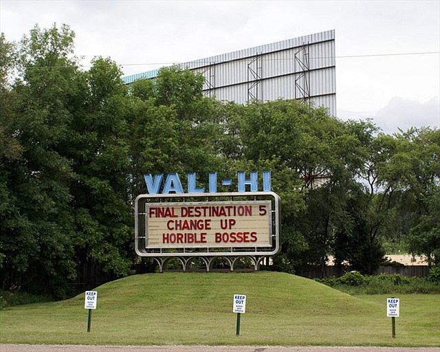 Vali hi drive in mn showtimes