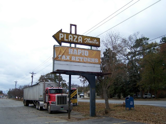 Plaza Theatre sign
