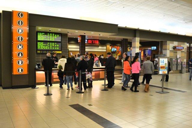 Cinemark Stroud Mall 12
