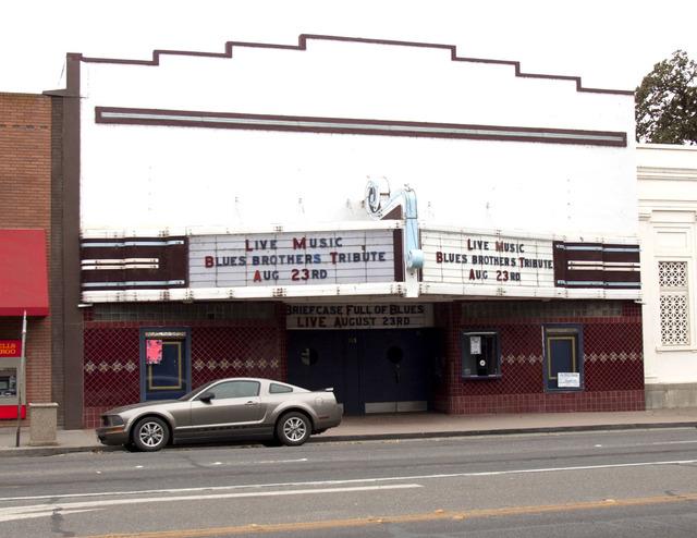Colusa Theatre
