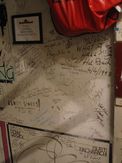 Chicago Theatre - Some more autographs from performers