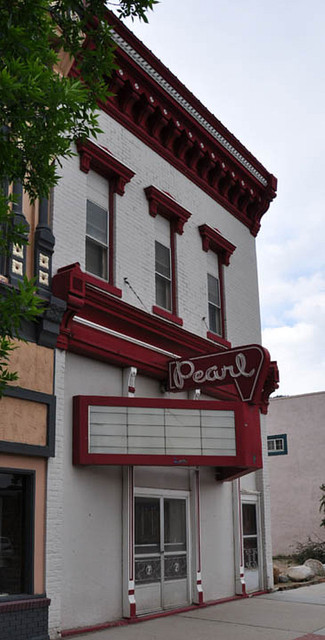 Pearl Theater