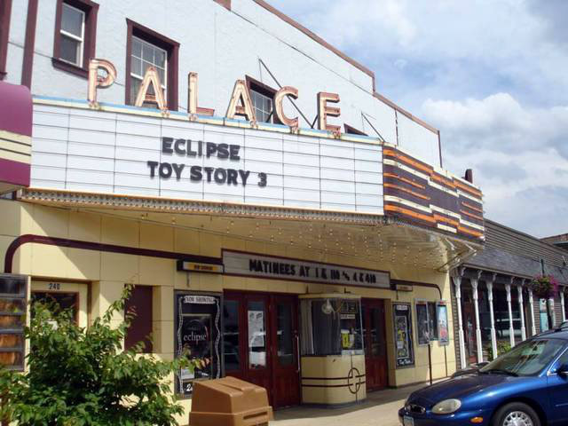 Spooner (WI) United States  City pictures : Palace Theater in Spooner, WI Cinema Treasures