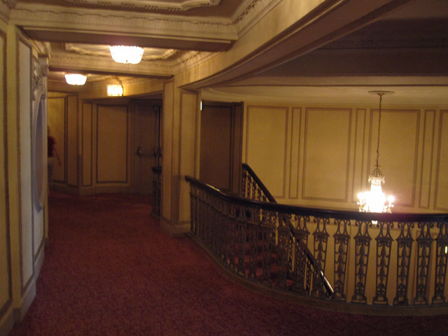 Chicago Theatre - Loge Foyer