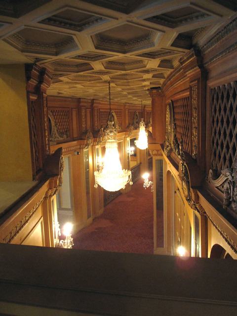 Chicago Theatre - Loge Foyer from Balcony Foyer