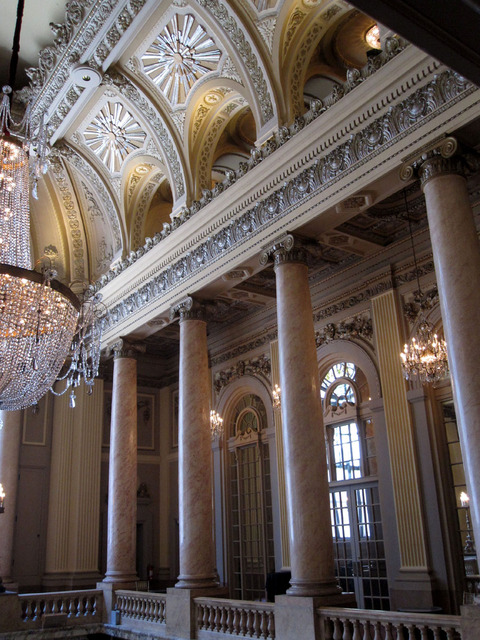 Chicago Theatre - Upper part of Grand Lobby