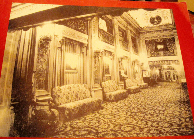 Chicago Theatre - view of main foyer in 1920s
