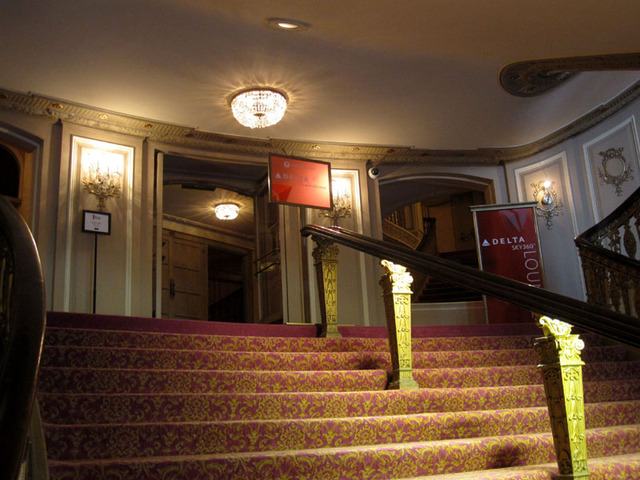 Chicago Theatre - Grand staircase from grand lobby