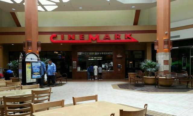 Cinemark Mall de Las Aguilas