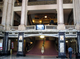 Chicago Theatre - Grand lobby and staircase