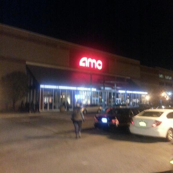 AMC Bay Plaza 13