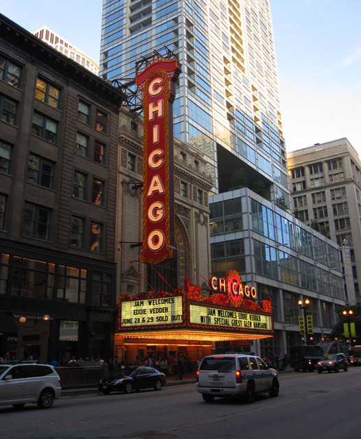 Chicago Theatre - Exterior front