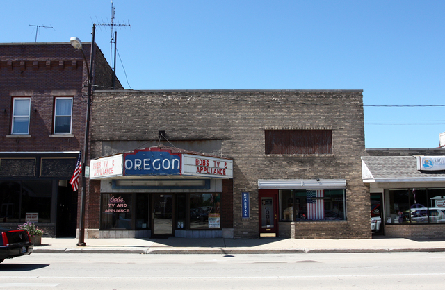 Oregon Theatre, Oregon, Illinois