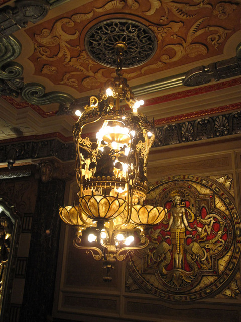 Oriental Theatre - Main Foyer chancelier