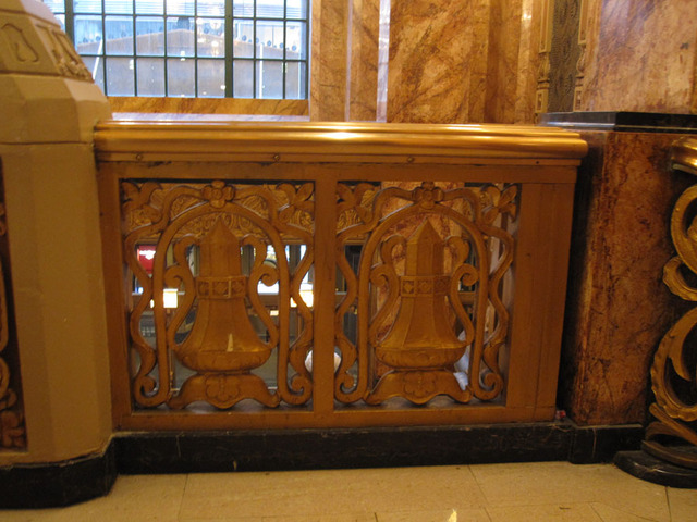 Oriental Theatre - Upper lobby railing detail