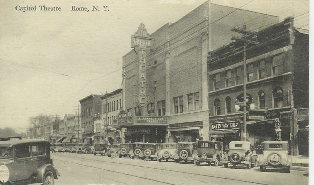 CAPITOL THEATRE POST CARD