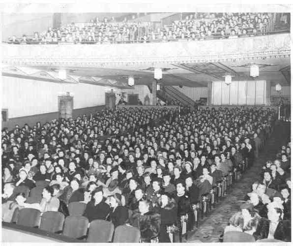 INSIDE CAPITOL THEATRE 1949'S
