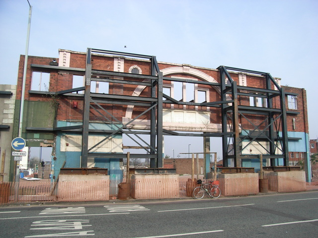 The facade of the Scala propped up in April 2007
