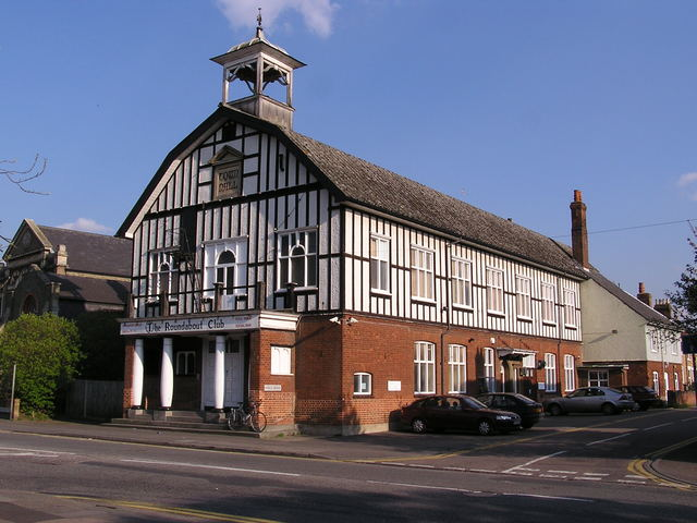 The Victoria/Albany as The Roundabout Club in April 2004