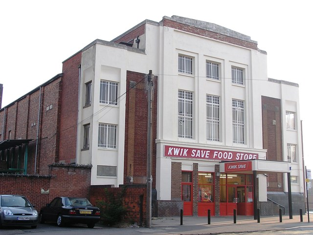 The Carlton as Kwik Save in September 2005