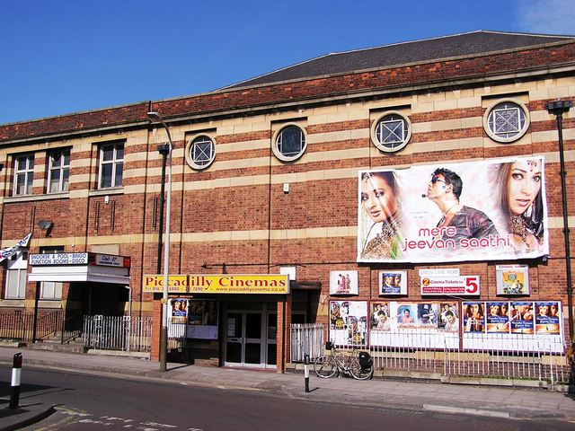 The Piccadilly in March 2006