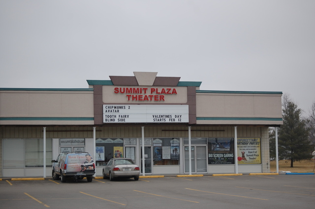 Summit Plaza Theater