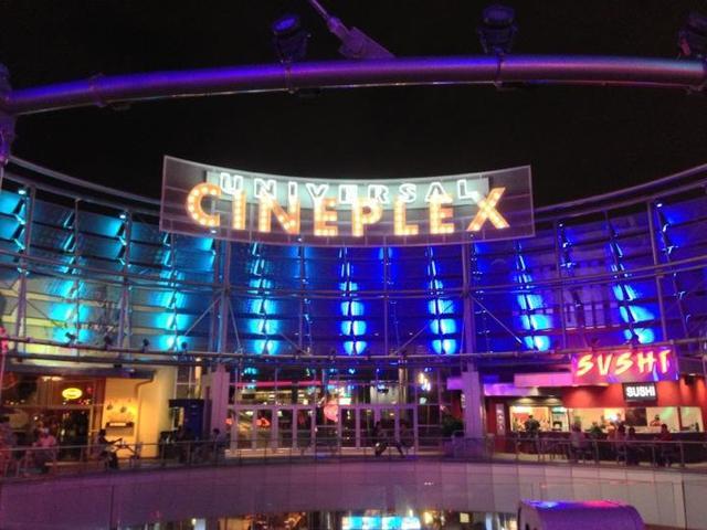Cinemark Universal Cineplex 20