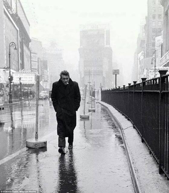 James Dean photo credit Dennis Stock 1955.