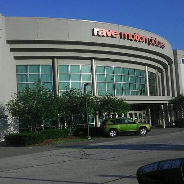 Rave movie theater davenport 18