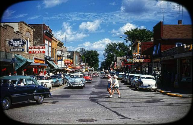 Vilas Cinema in the background. Courtesy of the AmeriCar The Beautiful Facebook page.