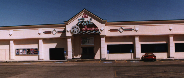 Country Club Plaza Reel Theatres