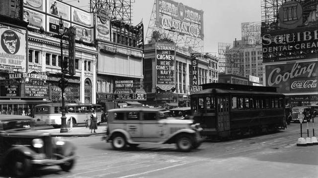1934 photo credit Duke University Collection.