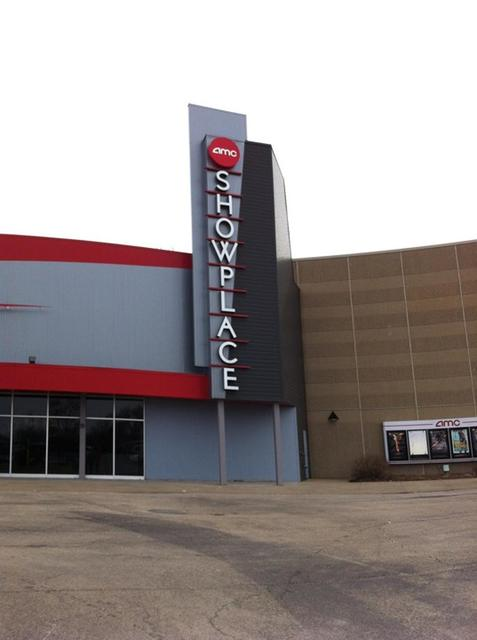 AMC Showplace Pekin 14