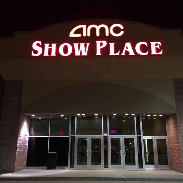 AMC Showplace Galesburg 8