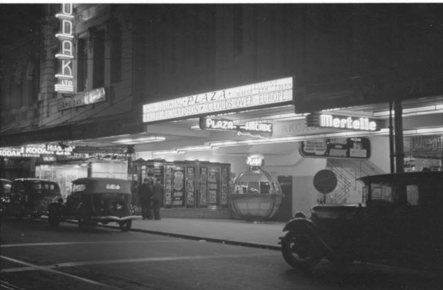Plaza Theatre - Perth - night exterior