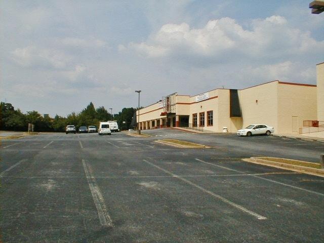 Riverdale Stadium 13 Discount Theater