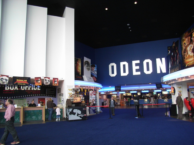 The foyer of the Odeon multiplex Mansfield in September 2006
