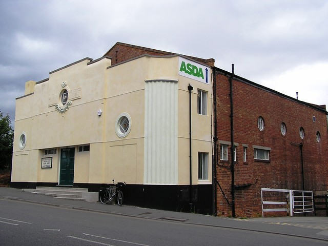 The Ritz Retford in September 2005