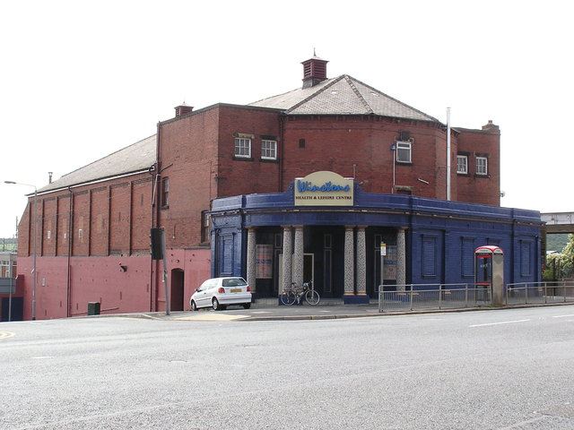 The Crescent, Hunslet, Leeds in August 2003